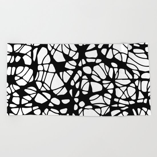 black curves Beach Towel