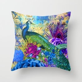 Luxurious Peacock With Elegant Feathers Graphic Design Throw Pillow