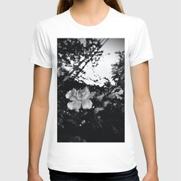 The fading afternoon flower T-shirt