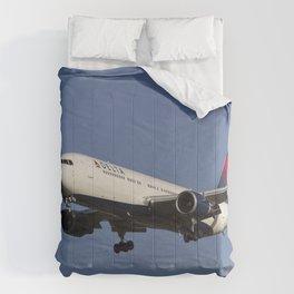 Delta Airlines Boeing 767-332 Comforters