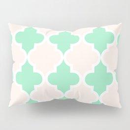 quatrefoil - green and cream Pillow Sham