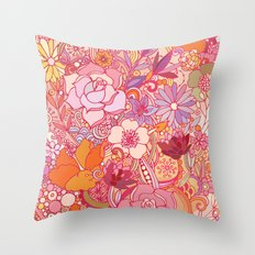 Detailed summer floral pattern Throw Pillow