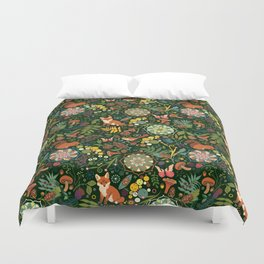 Treasures of the emerald woods Duvet Cover