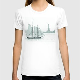 Statue of Liberty with Schooner T-shirt