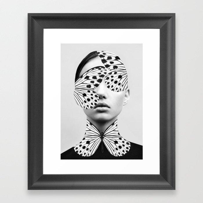 Woman Butterfly Gerahmter Kunstdruck