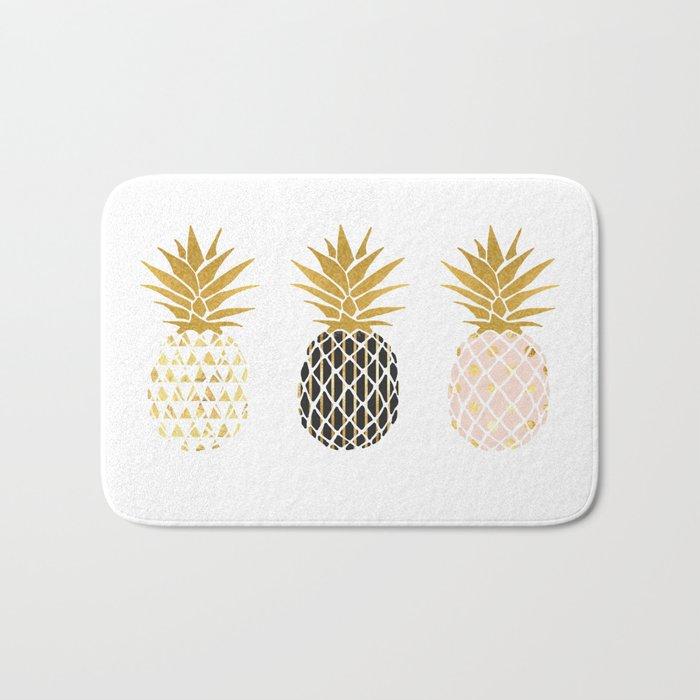 fun pineapple design gold Badematte