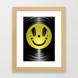 Vinyl headphone smiley Framed Art Print