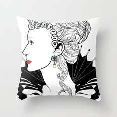 Elizabeth I. Throw Pillow