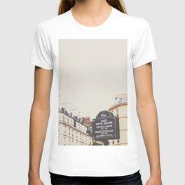 Place Sartre Beauvoir T-shirt