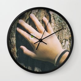 Hand Paquerette Wall Clock