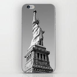 Statue of Liberty in black and white iPhone Skin