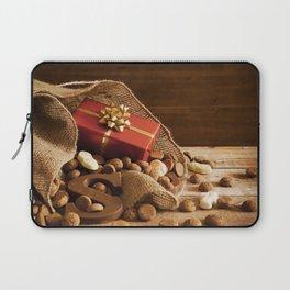 II - Bag with treats, for traditional Dutch holiday 'Sinterklaas' Laptop Sleeve