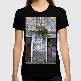 Old Sicilian facade of Taormina T-shirt