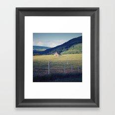 La petite porte rouge Framed Art Print