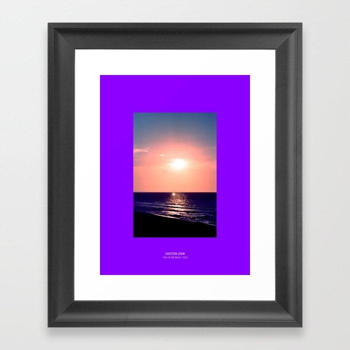 KISS ON THE BEACH Framed Art Print