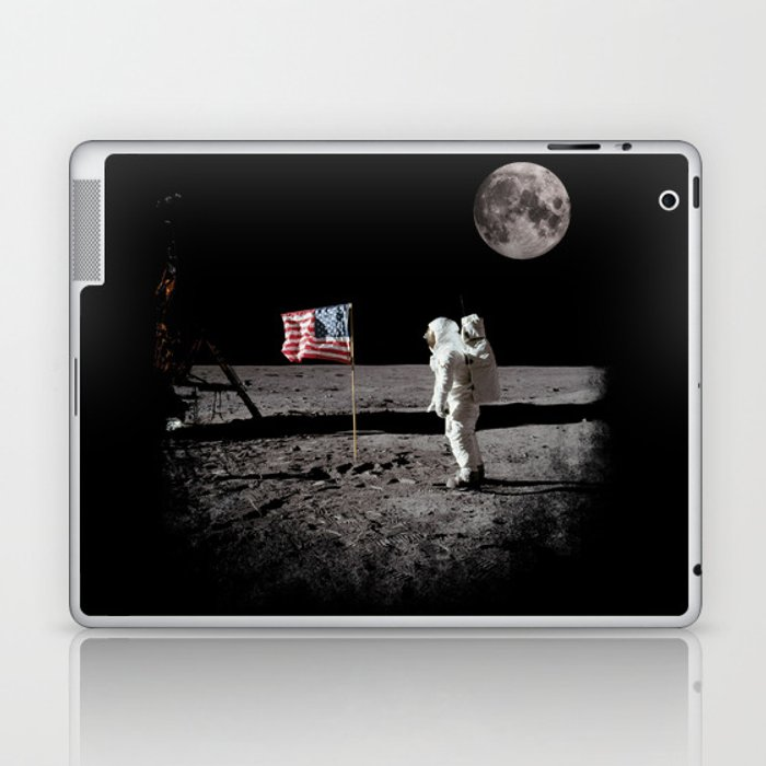 The Great Conspiracy: The Moon Is a Lie Laptop & iPad Skin