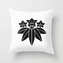 Minamoto Clan · Black Mon Throw Pillow