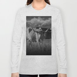 Texas Longhorn Steers under a Cloudy Sky in Black & White Long Sleeve T-shirt
