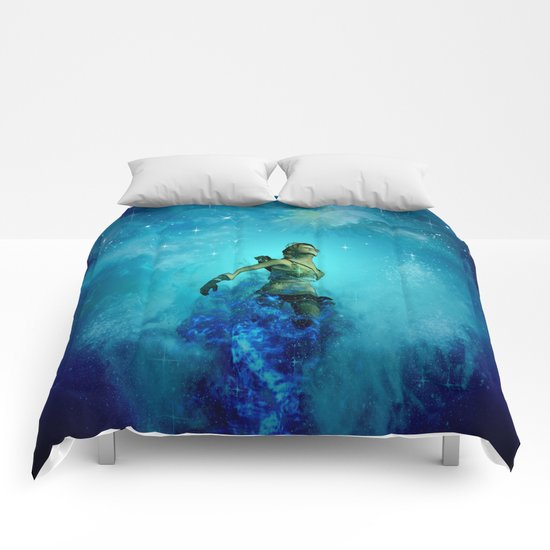 Fighter in the universe Comforters