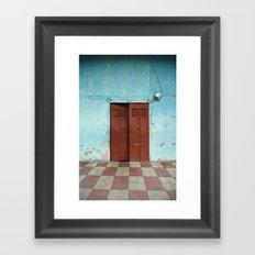 entr'apercevoir Framed Art Print