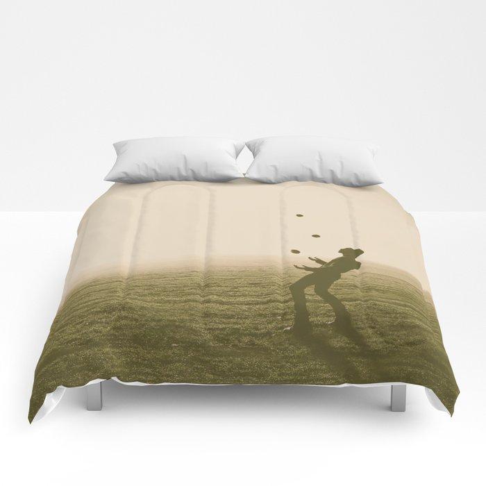 Juggler 4 Comforters