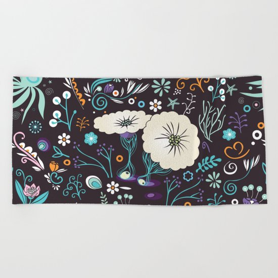 Subsea floral pattern Beach Towel