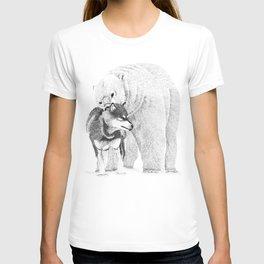 Eskimo dog and Polar bear pointillism illustration T-shirt