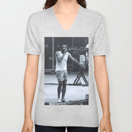 gambino can sing (Childish Gambino) Unisex V-Neck