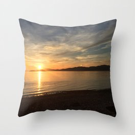 Ocean Calm VI Throw Pillow