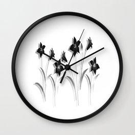 Schwarze Lilien Wall Clock