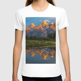 Grand Tetons Lake Reflections - Wyoming T-shirt