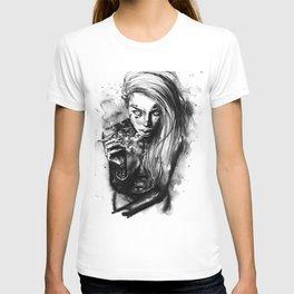 Tattooed babe Liz T-shirt
