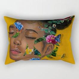Retrato de una mujer con flores Rectangular Pillow