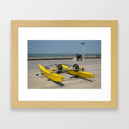 Face à la mer Framed Art Print