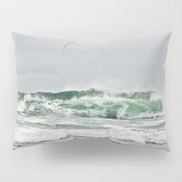 Explosive Green Surf of the St-Lawrence Pillow Sham