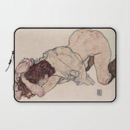 KNEELING GIRL, RESTING ON BOTH ELBOWS - EGON SCHIELE Laptop Sleeve