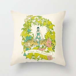 Vive Les Femmes Throw Pillow