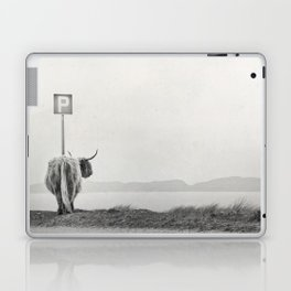 highland visitor Laptop & iPad Skin