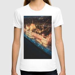 Budapest's Parliament Building, Hungary T-shirt