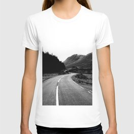 Road through the Glen - B/W T-shirt