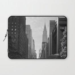 A perfect New York City stroll Laptop Sleeve
