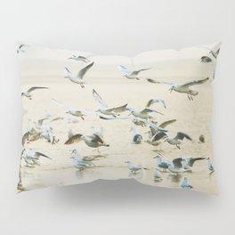 My heart beats in a million gulls Pillow Sham