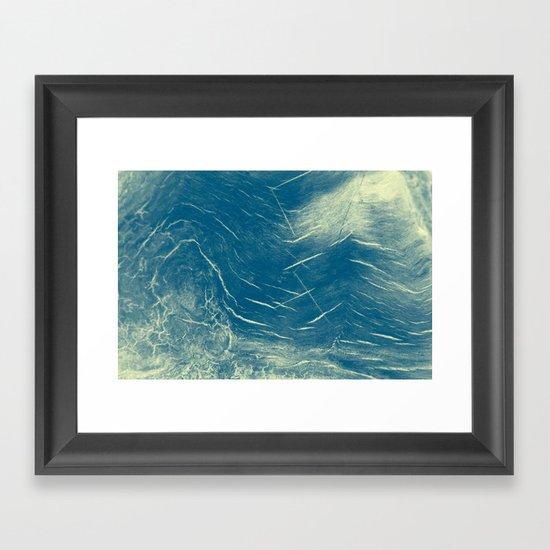 1076 Framed Art Print
