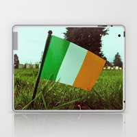 Cemetery tricolor Laptop & iPad Skin