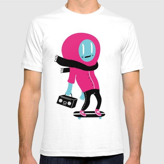 Alien on skateboard T-shirt
