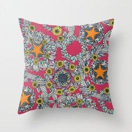 cirque fleur rose papaya star Throw Pillow