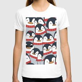Merry Christmas Penguins! T-shirt