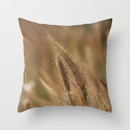 I love Grass. Throw Pillow