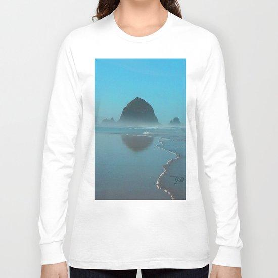 Haystack Rock, Cannon Beach Oregon Long Sleeve T-shirt