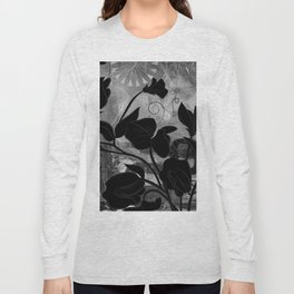 Queen Sweet Pea -- grayscale Long Sleeve T-shirt